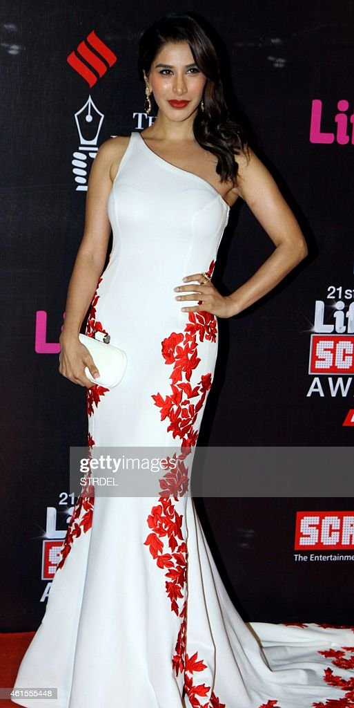 Indian Bollywood actress <a gi-track='captionPersonalityLinkClicked' href=/galleries/search?phrase=Sophie+Choudry&family=editorial&specificpeople=6598413 ng-click='$event.stopPropagation()'>Sophie Choudry</a> attends the 'Life OK Screen Awards 2015' in Mumbai on January 14, 2015.