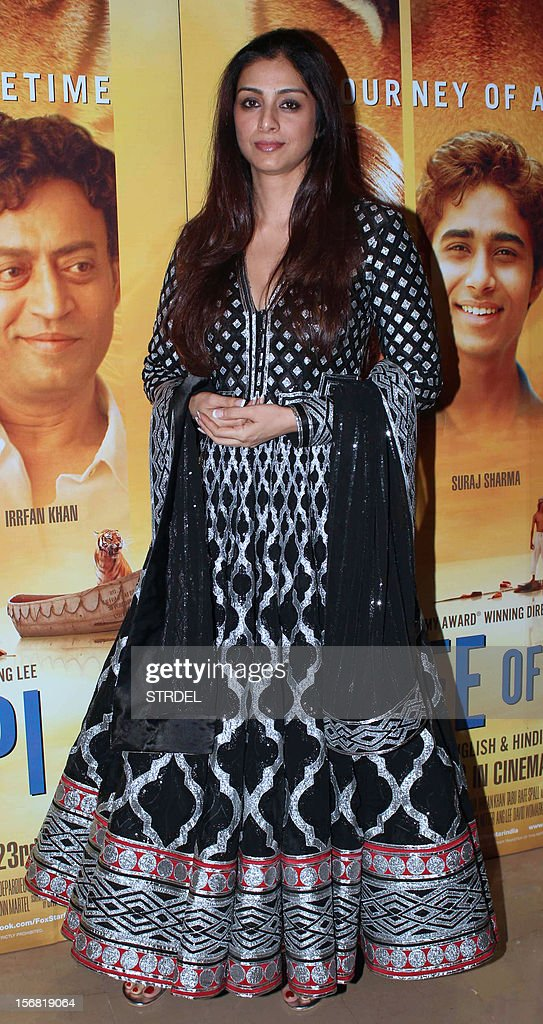 Indian Bollywood actress Tabu poses as she attends a special screening of the film 'Life of Pi' in Mumbai late November 21, 2012. AFP PHOTO/STR
