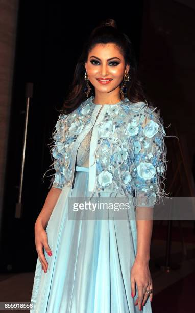 Indian Bollywood actress Urvashi Rautela attends the 'TOI Sports Awards 2017' in Mumbai on March 20 2017 / AFP PHOTO /