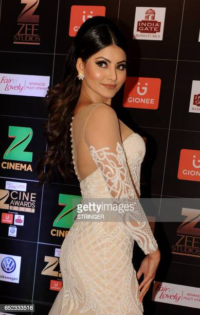 Indian Bollywood actress Urvashi Rautela attends the 'Zee Cine Awards 2017' ceremony in Mumbai on March 11 2017 / AFP PHOTO / STRINGER