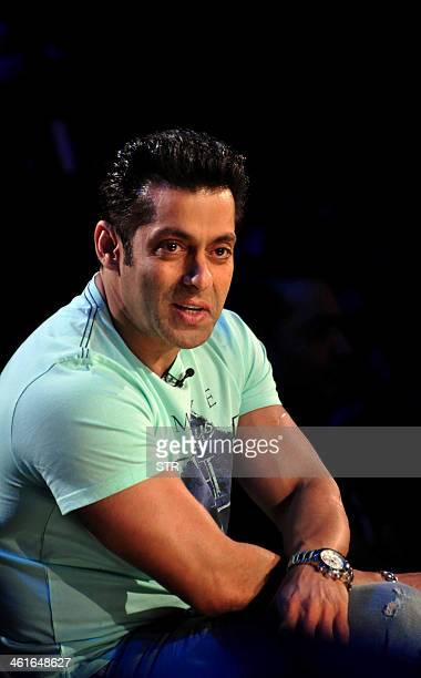 Indian Bollywood film actor Salman Khan poses during the promotion of the upcoming Hindi film 'Jai ho' on the set of the TV Hindi show 'Comedy Night...