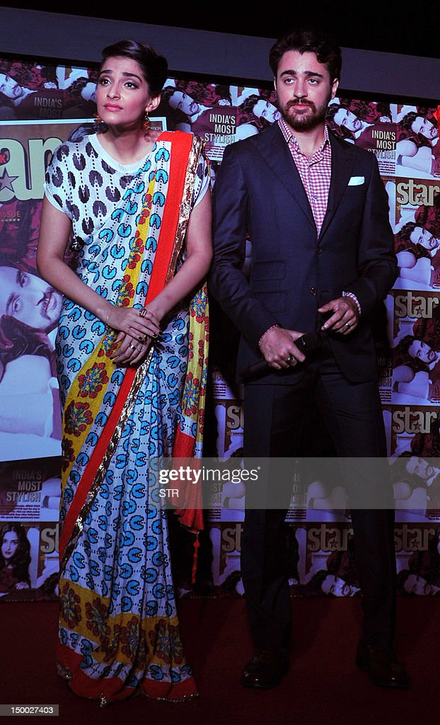 Indian Bollywood film actors Sonam Kapoor (L) and Imran Khan pose during the unveiling of the third anniversary edition of 'Star Week' in Mumbai on August 8, 2012.