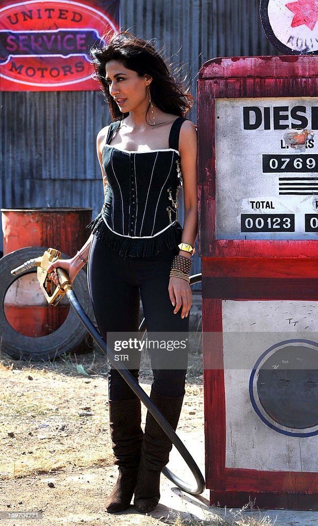 Indian Bollywood film actress Chitrangda Singh poses on location during the shooting of the upcoming Hindi film 'I Me Aur Main' song directed by debutant Kapil Sharma at Kamalistan Studio in Mumbai on January 18, 2013. AFP PHOTO