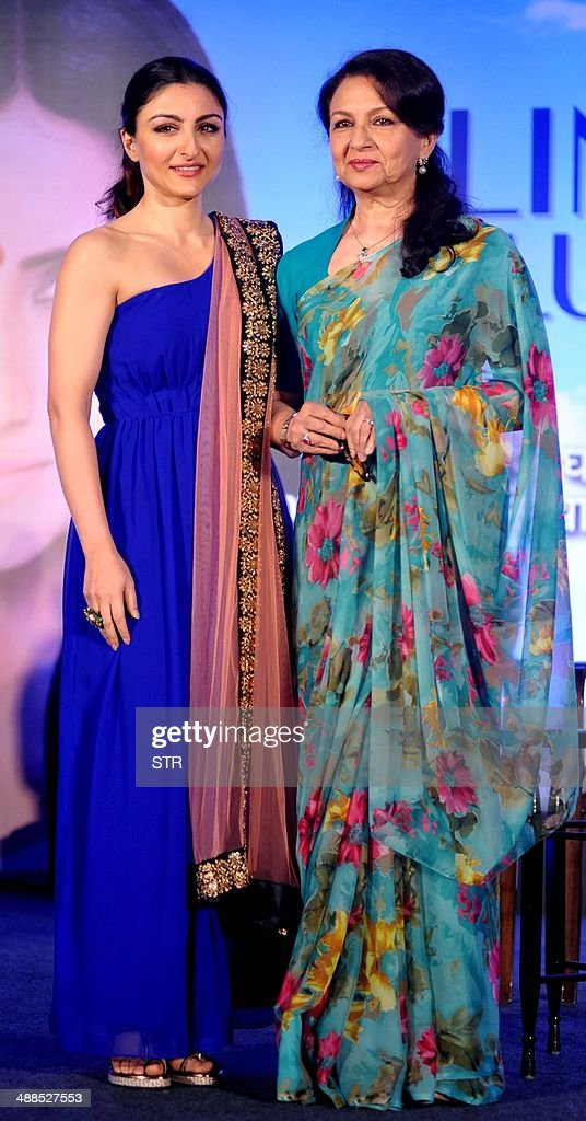 Indian Bollywood film actress Soha Ali Khan (L) and her mother, veteran actress Sharmila Tagore pose during the press conference for Clinic Plus and Plan Indias campaign 'M se Maa, Maa se Mazbooti' in Mumbai on May 6, 2014.