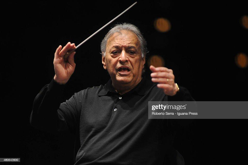 Indian conductor Zubin Mehta conducts the Orchestra del Maggio Musicale Fiorentino for Bologna Festival at PalaDozza on December 11, 2014 in Bologna, Italy.