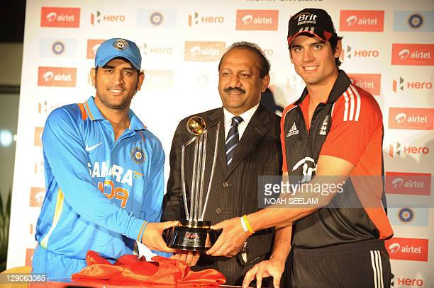 Indian cricket captain Mahender Singh Dhoni and England cricket team captain Alaistair cook along with Chief Executive Officer Bharathi airtel...