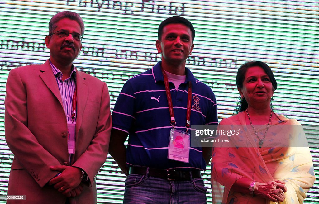 Indian cricketer Rahul Dravid with Indian actress Sharmila Tagore at the Jaipur Literature Festival on January 26, 2013 in Jaipur, India. 2013 DSC Jaipur Literature Festival is largest literary festival of Asia-Pacific and will be held from January 24 to January 28.