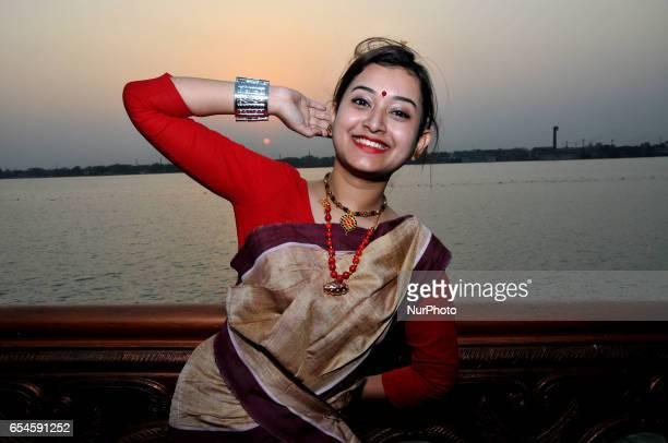 bihu in hindi The bihu is the national festival of assam bihu is celebratd three times in a year in assam celebrates three types of bihu name as, rongaali bihu, kati bihu and bhogaali bihu.