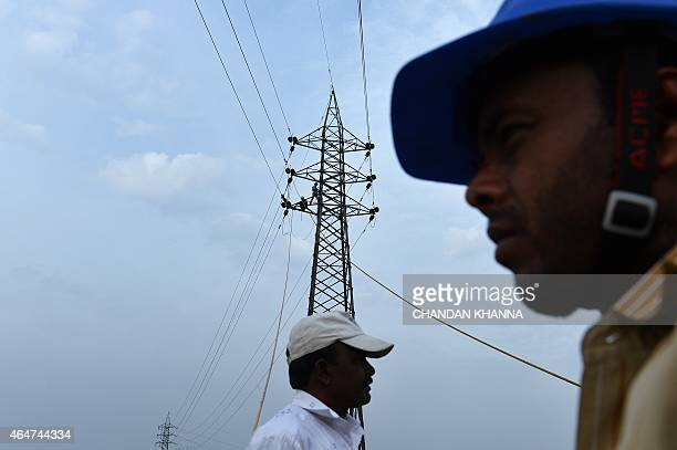 INDIA ECONOMY POLITICS BUDGET ED Indian Electricians Work