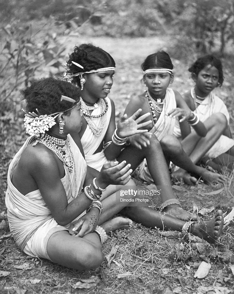 Indian girls of the Muria tribe at Bastar, Chhattisgarh state, India, 1940's.
