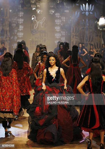 Indian models display creations by Indian designer Rohit Bal on the final day of the HDIL India Couture Week on September 21 2008 in Mumbai India is...