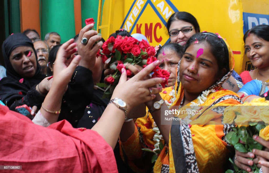 Indian Muslim Women celebrates after Triple Talaq issue Supreme Court Oder at on August 22,2017 in Kolkata,India.Indian Muslim Women celebrates after Triple Talaq issue Supreme Court Oder at on August 22,2017 in Kolkata, India.