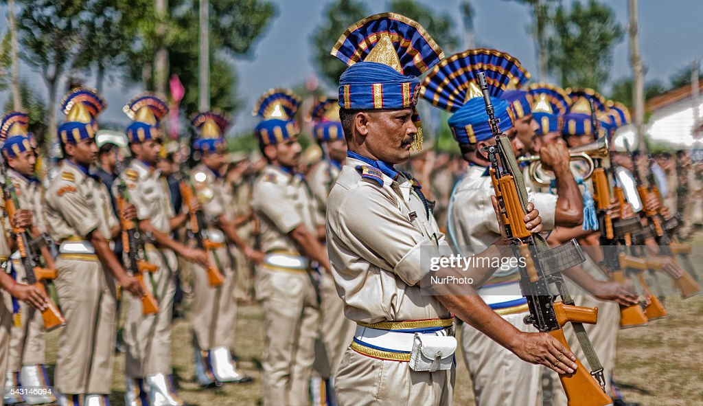 Indian Paramilitary soldiers of Central Reserve Police Force (CRPF) honour their their killed comrades during a wreath-laying ceremony of eight CRPF soldiers killed in an ambush on June 26, 2016 in Srinagar, the summer capital of Indian Administered Kashmir, Indian. The CRPF held a wreath-laying ceremony for eight troopers who were killed yesterday in an ambush by rebels on the Srinagar-Jammu highway in Pampore area of Pulwama district. Two militants were also killed in retaliatory action by the troopers, police said.