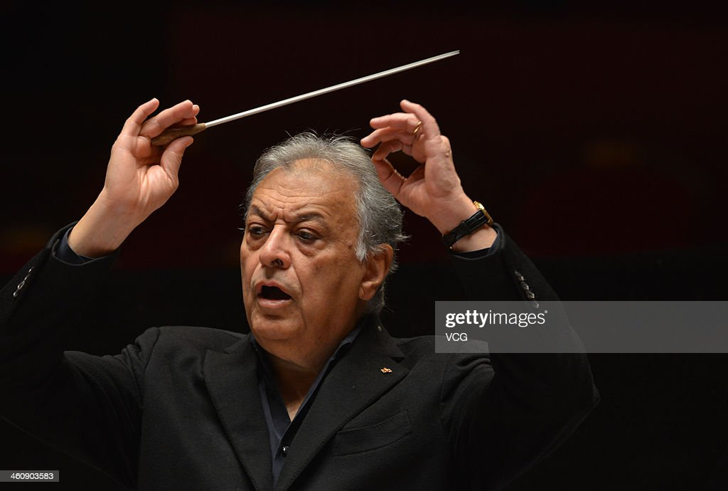 Indian Parsi conductor Zubin Mehta conducts the Orquestra de la Comunitat Valenciana orchestra during a rehearsal of the New Year's concert at Qintai Concert Hall on January 5, 2014 in Wuhan, China.
