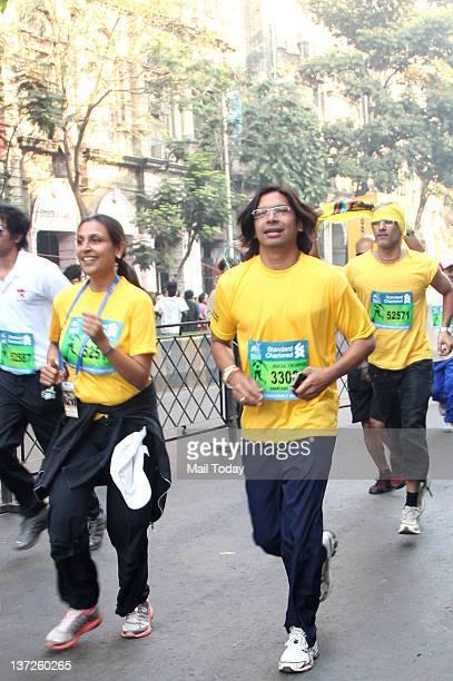 Indian playback singer Shaan during the Standard Chartered Mumbai Marathon 2012 in Mumbai on Sunday