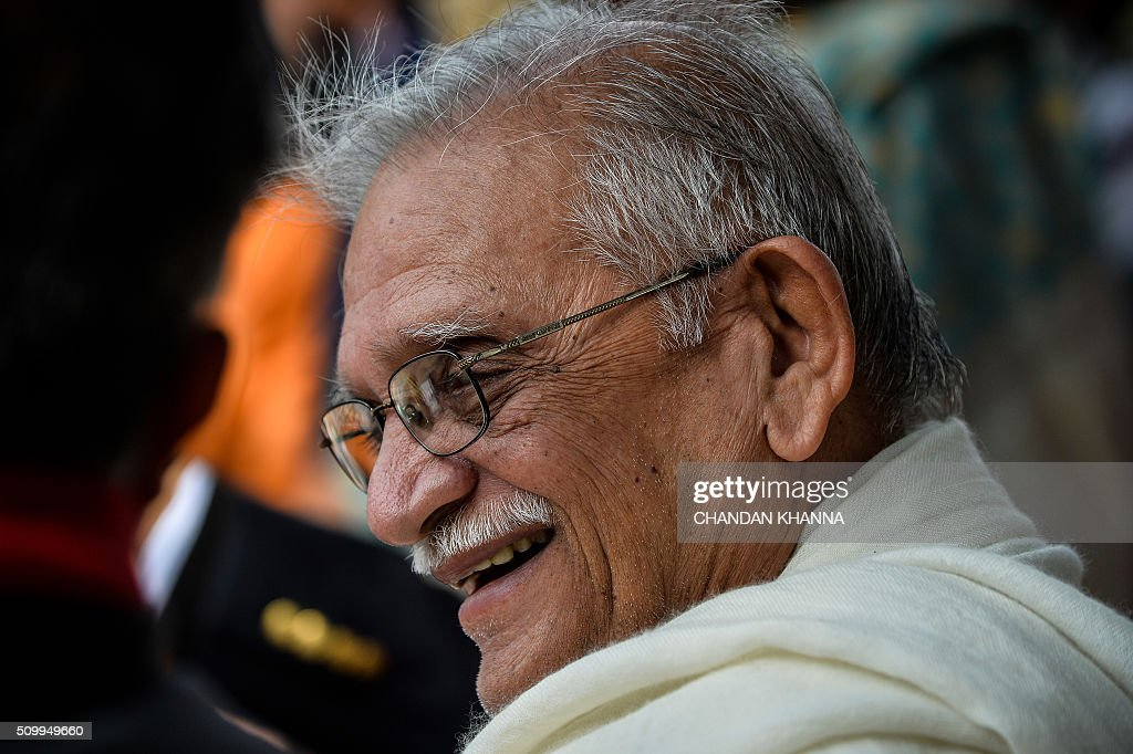 Indian poet Gulzar looks on during an event during the Jashn-e-Rakhta Urdu festival in New Delhi on February 13, 2016. AFP PHOTO / Chandan KHANNA / AFP / Chandan Khanna