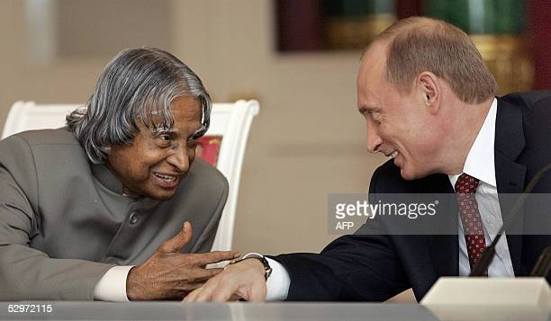 Indian President Abdul Kalam talks to his Russian counterpart Vladimir Putin during their meeting at the Kremlin in Moscow 24 May 2005 Kalam arrived...