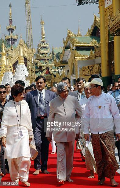 Indian President Abdul Kalam visits the famous Shwedagon Pagoda Yangon 09 March 2006 Kalam touring military ruled Myanmar on the firstever visit by...