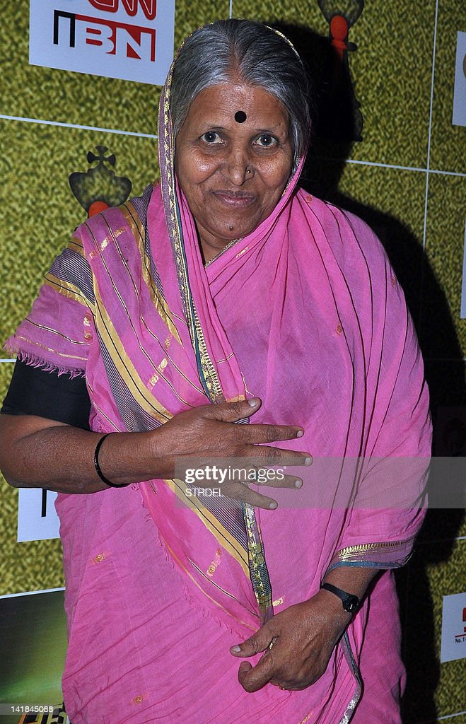 Indian social worker and activist Sindhutai Sapkal attends the Reliance Foundation's 'Real Heroes Awards' ceremony in Mumbai on March 24, 2012.
