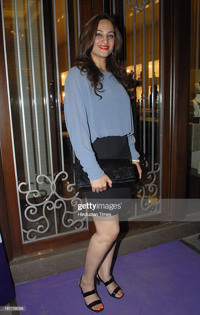 Indian television actress Rakshanda Khan during the launch of Pradeep Jethani's flagship store 'Jet Gems' at Turner Road, Bandra on February 13, 2013 in Mumbai, India.