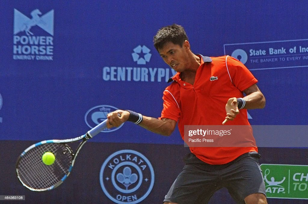 Indian tennis player, <a gi-track='captionPersonalityLinkClicked' href=/galleries/search?phrase=Somdev+Devvarman&family=editorial&specificpeople=5487712 ng-click='$event.stopPropagation()'>Somdev Devvarman</a> in action against Spanish Tennis Player Enrique Lopez-Perez during the Emami Kolkata Open 2015 - ATP Challenger Tour.