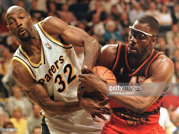 Indiana pacers 102 94 getty images indiana pacer forward dale davis l fights for th voltagebd Images