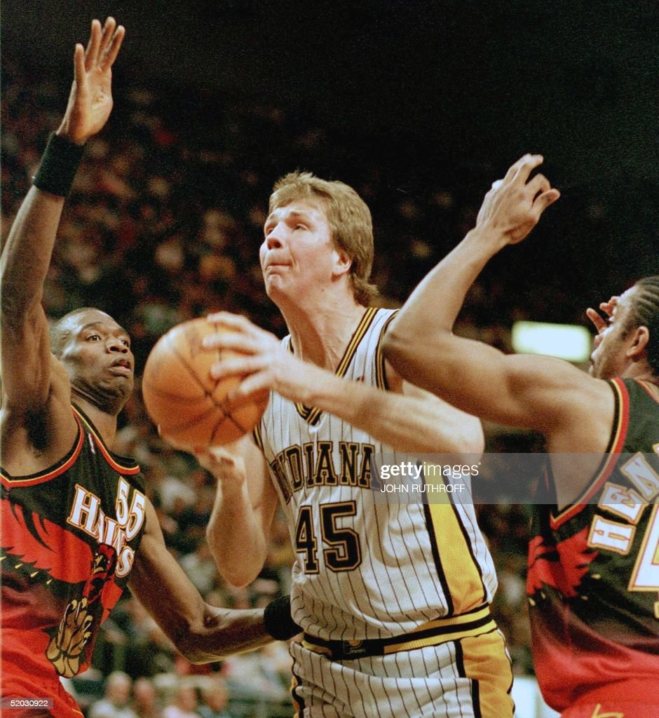 Indiana Pacers center Rik Smits 45 heads for the