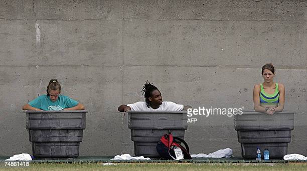 Athletes cool down in tubs full of ice during the 2007 ATT US Outdoor Track and Field Championships 22 June 2007 at Mike Carroll Stadium on the...