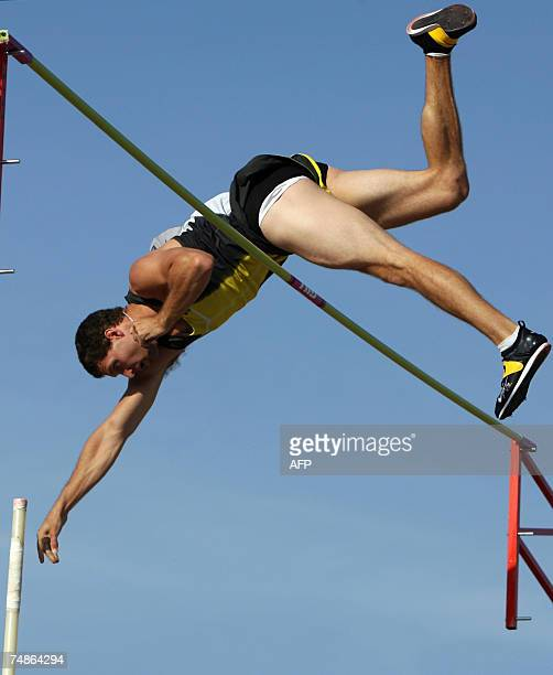 Brad Walker competes during the Pole Vault event of the 2007 ATT US Outdoor Track and Field Championships 22 June 2007 at Mike Carroll Stadium on the...