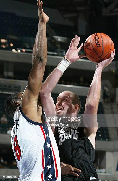 WM 2002 Indianapolis USA NEUSEELAND 11062 Antonio DAVIS/USA Ed BOOK/NZL