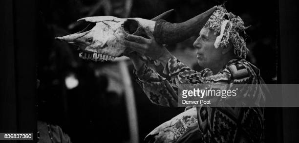 Indians Sioux flat Iron Eyes Cody holds a buffalo skull aloft while the dancers were leaving the area The dancers fasted four days before the...