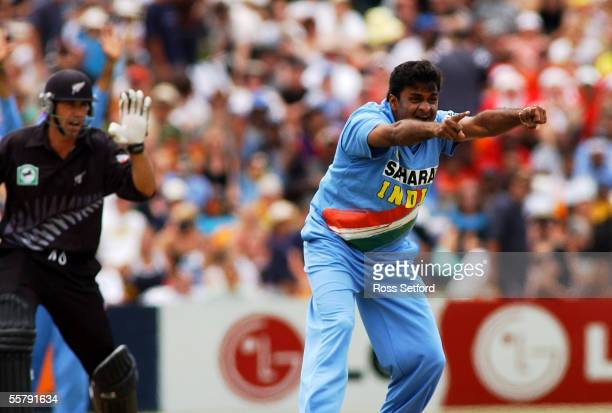 India's Javagal Srinath right appeals the lbw wicket of New Zealand Black Caps Stephen Fleming in the second one day international cricket match at...