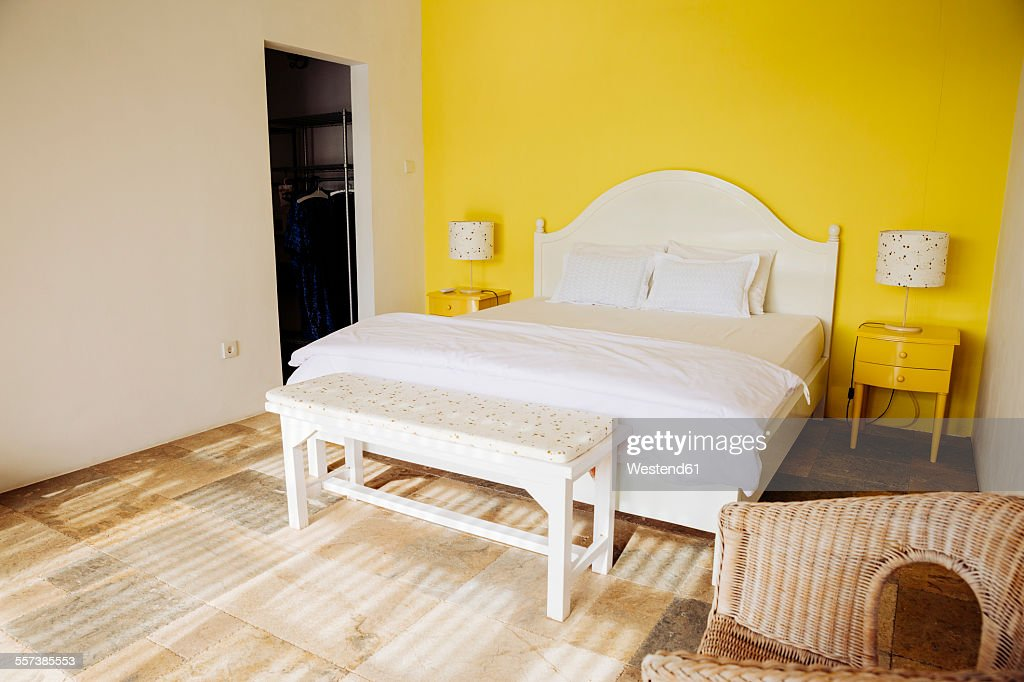 Generous Feature Walls Ideas Bedrooms Ideas - Wall Art Design ...