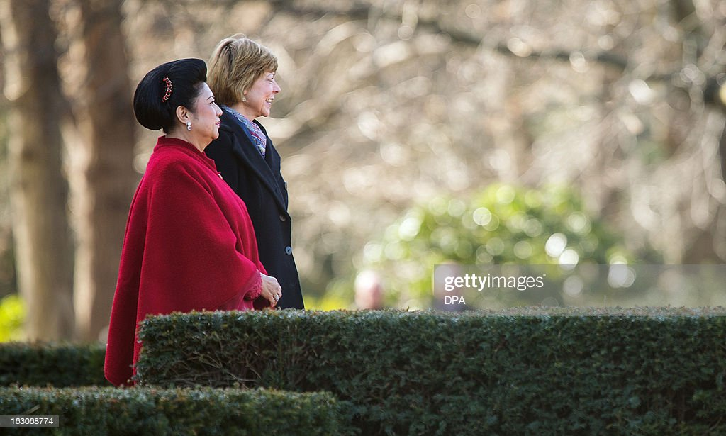 Indonesian First Lady Ani Bambang Yudhoyono(L) and German First Lady Daniela Schad (R) walk through the garden of the presidential Bellevue palace in Berlin, Germany on March 04, 2013. President Yudhoyono arrived in Germany to open the International Tourism Bourse ITB. Indonesia is the 2013 official partner country of the world's leading travel trade show, running from March 6-10, 2013.