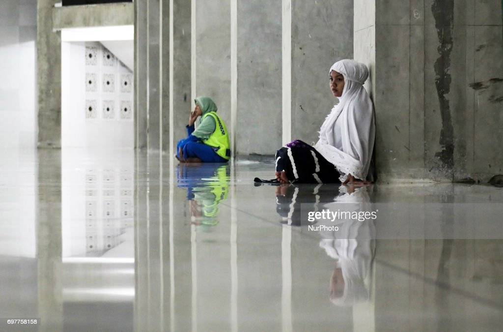 Indonesian Muslims offer prayers and read the Qur'an in the last 10 days of Ramadan at the Islamic Center Mosque on June 19, 2017. in Lhokseumawe, Aceh Province, Indonesia. More than 1.5 billion Muslims around the world will mark the month, during which believers abstain from eating, drinking, and smoking from dawn until sunset.