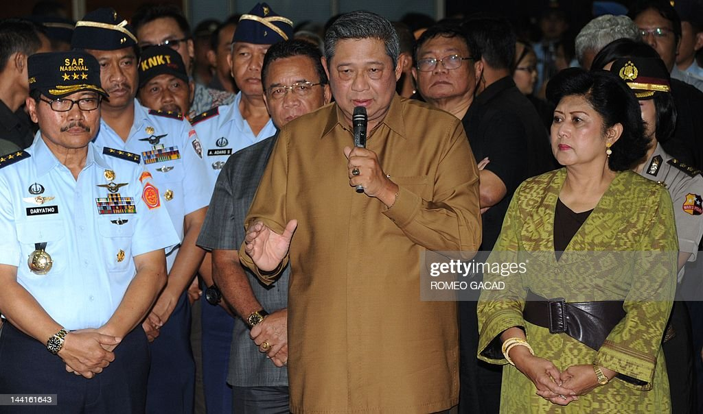 Indonesian President Susilo Bambang Yudhoyono accompanied by First Lady Ani Yudhoyono and national search and rescue agency chief Vice Marshal...