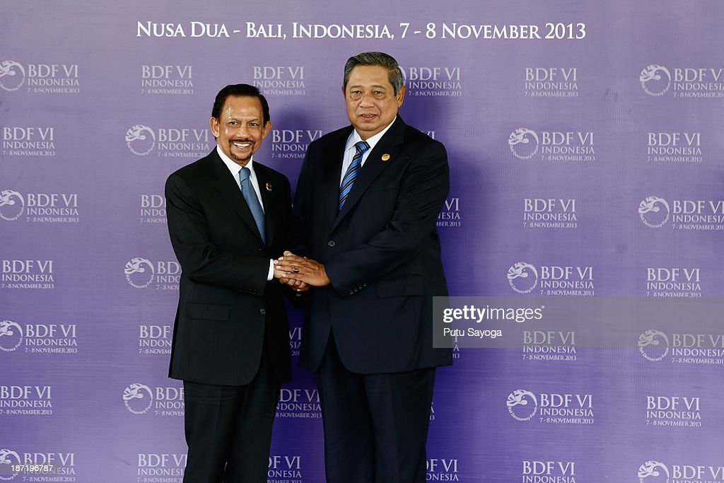 Indonesian President <a gi-track='captionPersonalityLinkClicked' href=/galleries/search?phrase=Susilo+Bambang+Yudhoyono&family=editorial&specificpeople=206513 ng-click='$event.stopPropagation()'>Susilo Bambang Yudhoyono</a> greets H.M. Sultan Hassanal Bolkiah of Brunei Darussalam during Bali Democracy Forum on November 7, 2013 in Denpasar, Bali, Indonesia. This year's Bali Democracy Forum has attracted increased attention as Australia's Foreign Minister Julie Bishop returns to Indonesia amid controversy surrounding Australia's involvement in 'intelligence-gathering' activities. The forum is held every year and aims to 'enhance democratic participation in a changing world'.