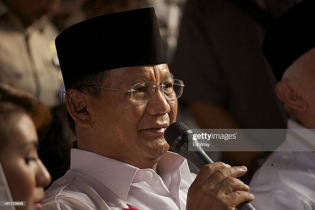 Indonesian Presidential candidate <a gi-track='captionPersonalityLinkClicked' href=/galleries/search?phrase=Prabowo+Subianto&family=editorial&specificpeople=3051840 ng-click='$event.stopPropagation()'>Prabowo Subianto</a> speaks during a live television address at his headquarters on July 5, 2014 in Jakarta, Indonesia. Today marks the last day of campaigning ahead of Indonesia's presidential election which is being contested by candidates Joko Widodo and <a gi-track='captionPersonalityLinkClicked' href=/galleries/search?phrase=Prabowo+Subianto&family=editorial&specificpeople=3051840 ng-click='$event.stopPropagation()'>Prabowo Subianto</a>. Indonesia will choose its next president on July 9.