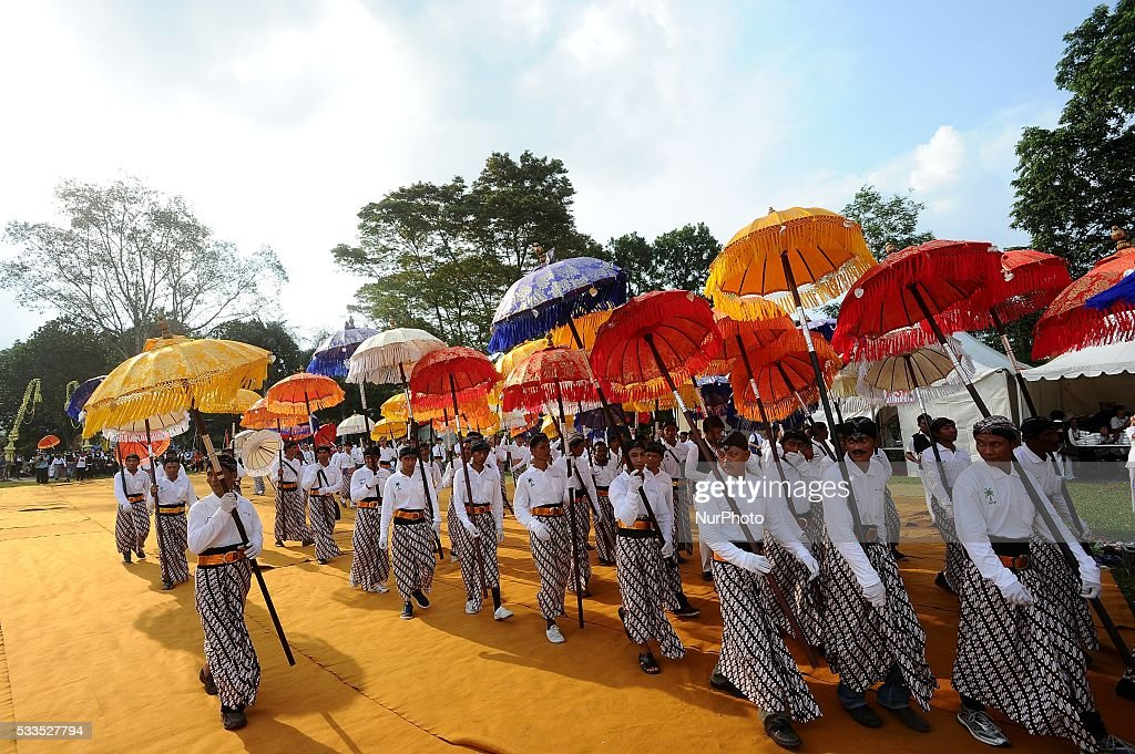 Indonesian take part in parade from Mendut Temple to Borobudur Temple ahead to Vesak day celebration on May 21 2016 in Magelang Indonesia Millions of...
