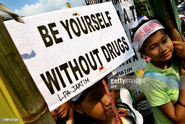 Indonesian youth hold anti anti-drugs po... Pictures ...