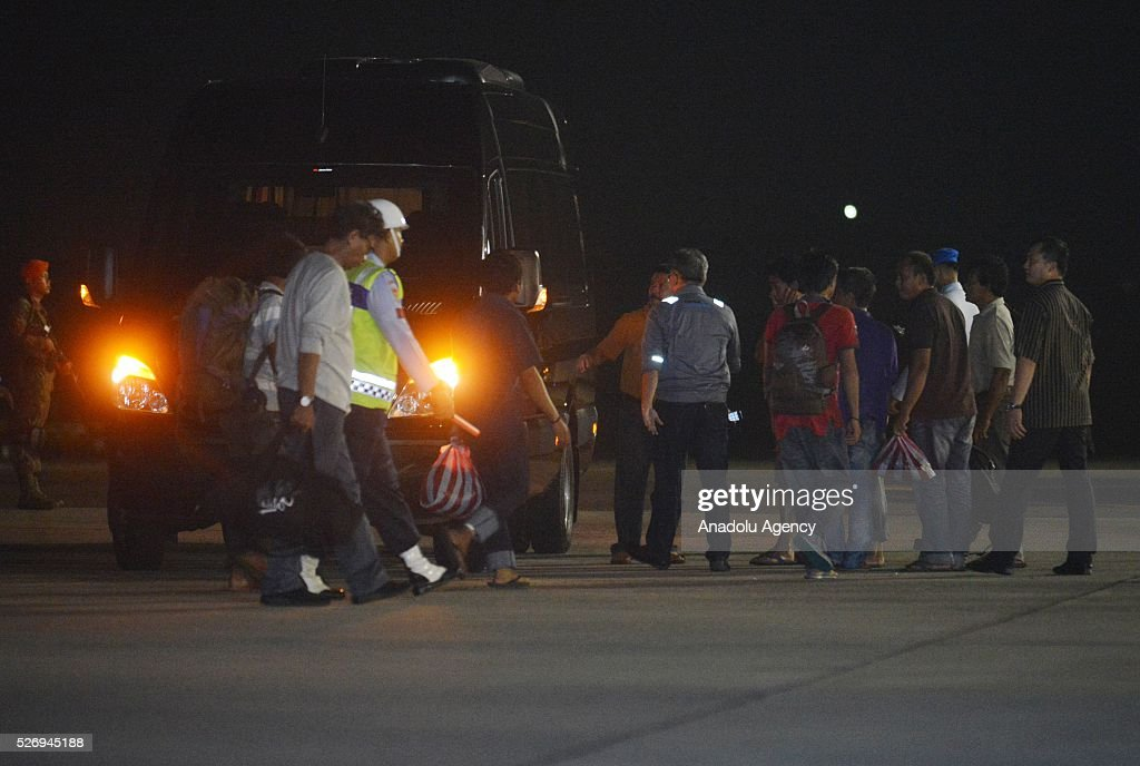 Indonesians kidnapped by Philippine rebel group Abu Sayyaf, arrive at the Halim Perdanakusuma Airport in Jakarta, Indonesia, 01 May 2016. Rebel group Abu Sayyaf has released 10 Indonesians it was still holding captive.