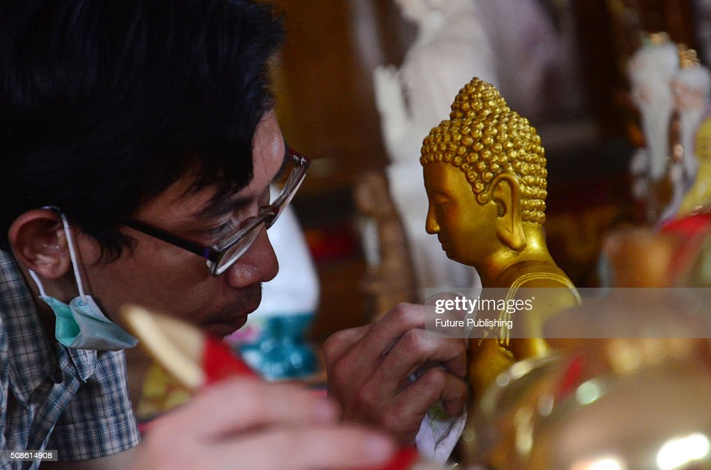 Indonesians of Chinese descent ritual wash statues of a Chinese god in preparation for Lunar New Year celebrations at Vihara Maha Brahma on February 05, 2016 in Bogor, Indonesia. Chinese communities in the world's most populous Muslim country are gearing up to celebrate the start of the year of the monkey which falls on February 8. Jefta Images / Barcroft Media UK Office, London. W www.barcroftmedia.com Office, New York City. W www.barcroftusa.com Indian Office, Delhi. W www.barcroftindia.com