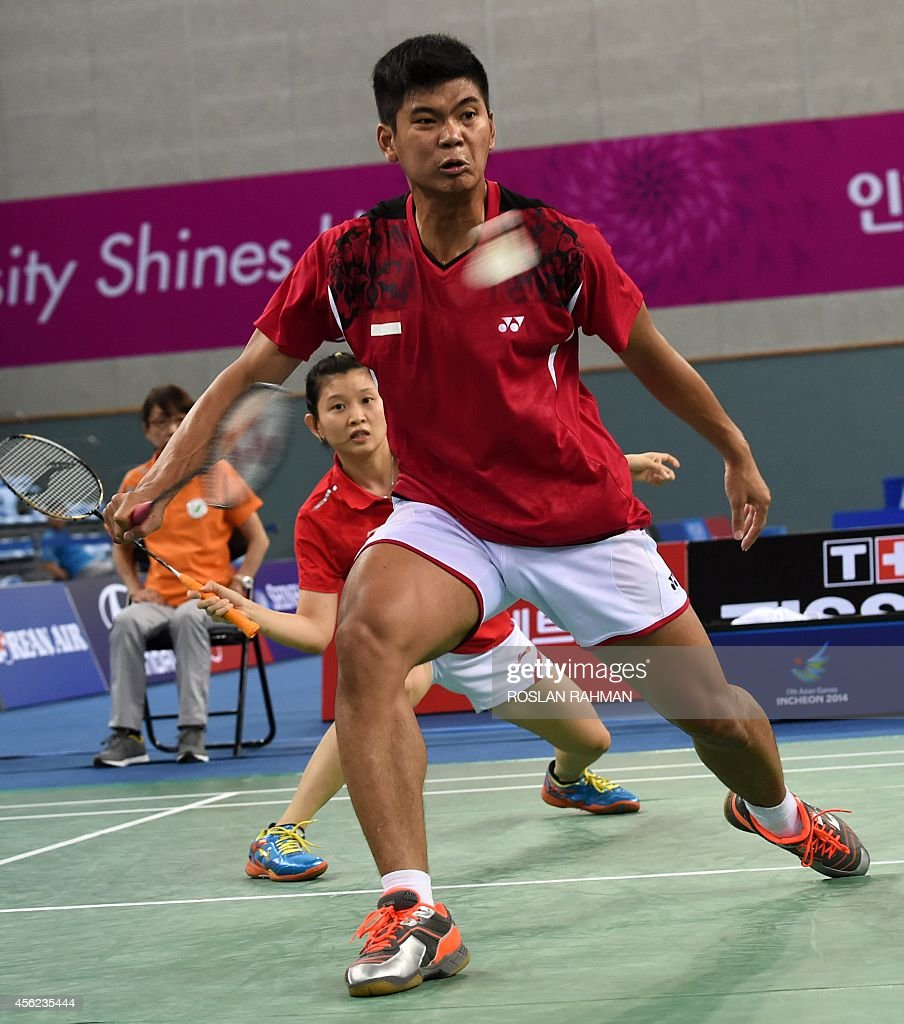 Indonesia s Praveen Jordan front and Debby Susanto back