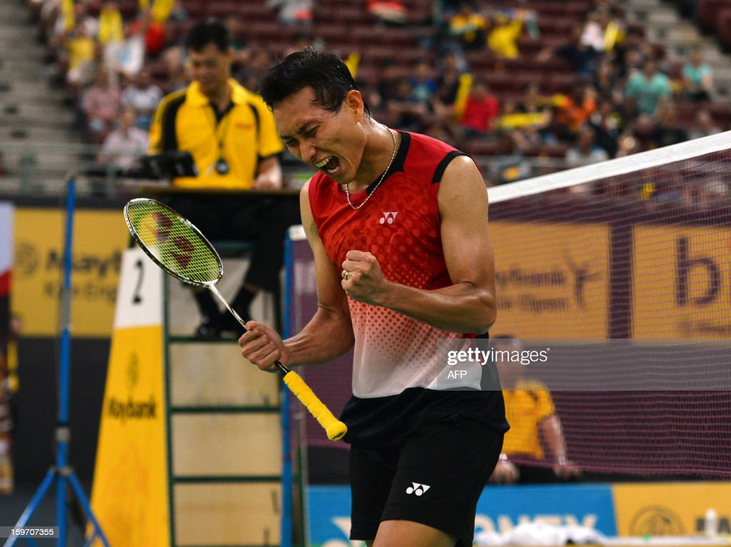 Indonesia's Sony Dwi Kuncoro celebrates his victory against Japan's Kenichi Tago in their men's singles semi-final match at the Malaysia Open Badminton Superseries in Kuala Lumpur on January 19, 2013.