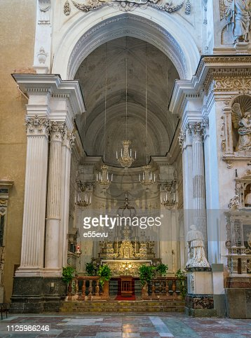 Indoor view in the amazing Cefalù Cathedral. Sicily, southern Italy. : Foto stock