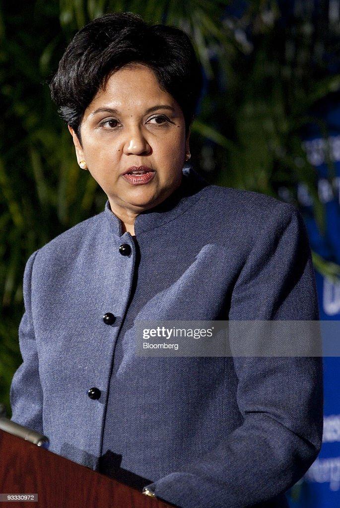 photos et images de indian pm singh addresses u s chamber of