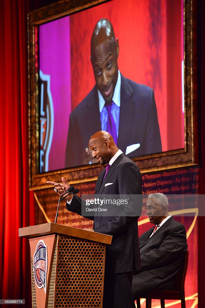 Inductee <a gi-track='captionPersonalityLinkClicked' href=/galleries/search?phrase=Alonzo+Mourning&family=editorial&specificpeople=201732 ng-click='$event.stopPropagation()'>Alonzo Mourning</a> speaks during the 2014 Basketball Hall of Fame Enshrinement Ceremony on August 8, 2014 at the Mass Mutual Center in Springfield, Massachusetts.
