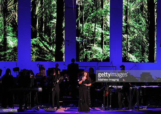 Inductee and singer Donna Summer performs at the Hollywood Bowl Opening Night Gala held at the Hollywood Bowl on June 18 2009 in Hollywood California
