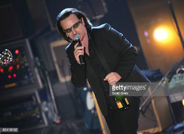 Inductee Bono performs at the 20th Annual Rock And Roll Hall Of Fame Induction Ceremony at the Waldorf Astoria Hotel March 14 2005 in New York City