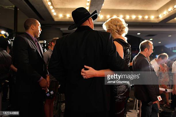 Inductee Garth Brooks and Trisha Yearwood attend the Songwriters Hall of Fame 42nd Annual Induction and Awards at The New York Marriott Marquis Hotel...
